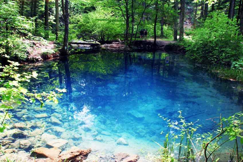 lacul albastru1