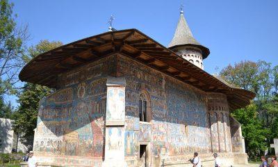 Biserica_Sfantul_Gheorghe_din_incinta_Manastirii_Voronet