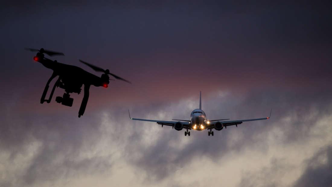 drona și avion